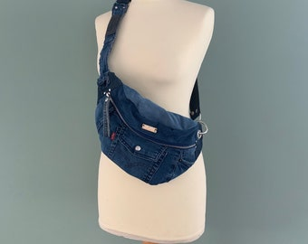 Fanny Pack bumbag waistbag beltbag recycled Levi's jeans