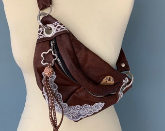 Fanny Pack leather bumbag brown with lace