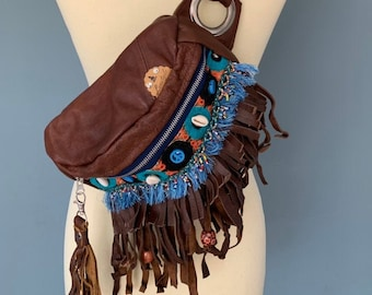 Boho Fanny pack with fringes of brown leather