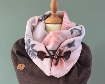 Three point scarf shawl with leather wood string pink/Brown XXL