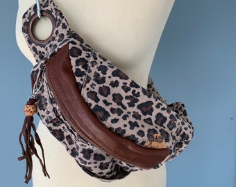 Fanny pack beltbag brown leather with leopards print denim