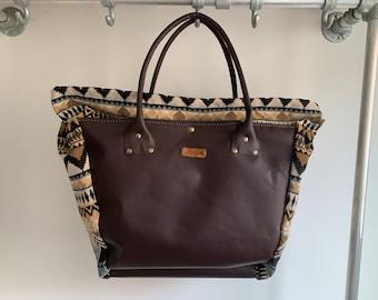 Handbag beach shopper made of leather and woven fabric