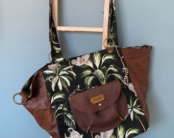 Handbag beach shopper backpack made of leather and cotton with cheerful print