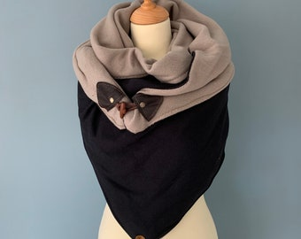 Oversize three-point scarf wrap cloth with wood-string closure