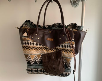 Multi functional bag Handbag beach shopper made of leather and woven fabric