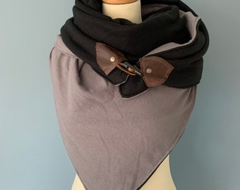 Three-point scarf cover cloth wood-string closure