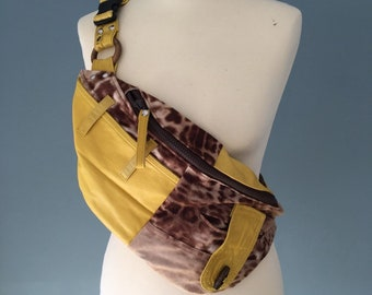 Fanny Pack Beltbag Festival bag waist bag yellow leather with animal print