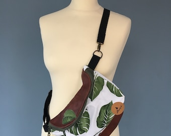 Fanny Pack beltbag Hip Pouch Bag leather and sheet print