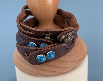 Dark brown leather braided bracelet with studs size xs