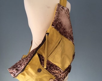 Oversize bumbag fanny pack XXL yellow leather with animal print