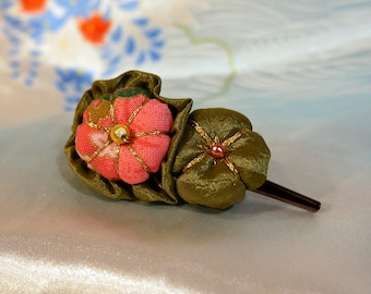 Pink and green Tsumami Kanzashi flower hair clip