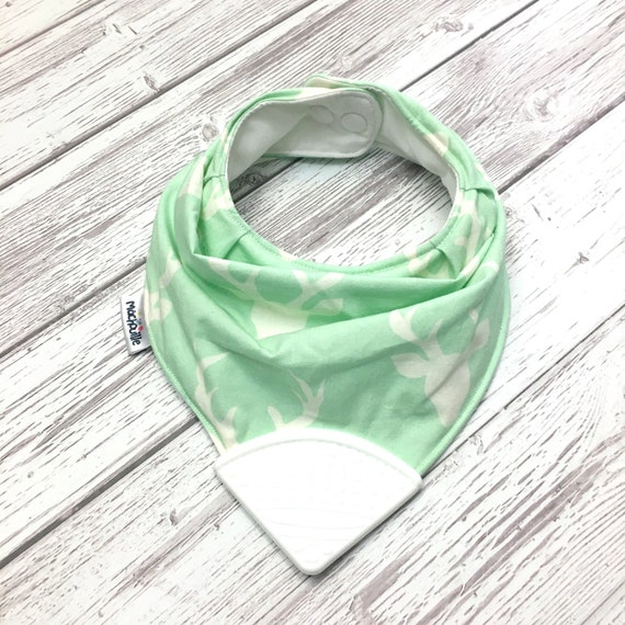 Bandana bib with teether, teething bib silicone, teether silicone baby, silicone teething corner, shower, mint, white, buck, Machouille