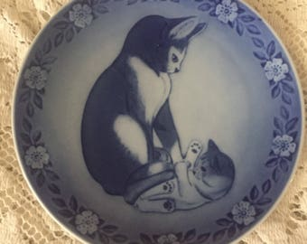 Vintage 1983 Royal Copenhagen Mother Cat & Her Young One Collector Plate