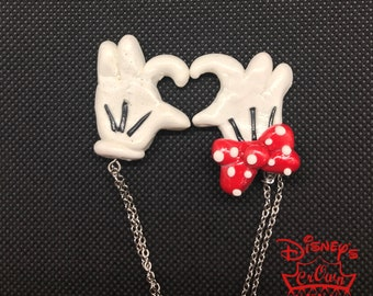 Mickey and Minnie Hands Necklace Set