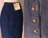 Dark blue 80s vintage midi denim skirt with green stitches thick green flannel lining
