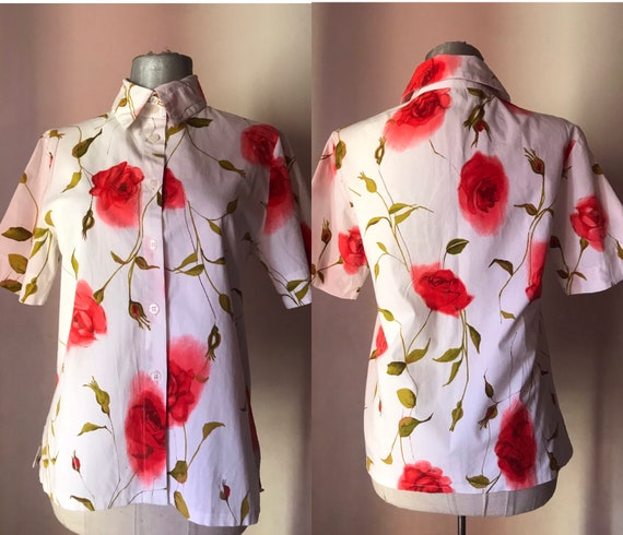 All cotton buttoned shirt features big bold rose p