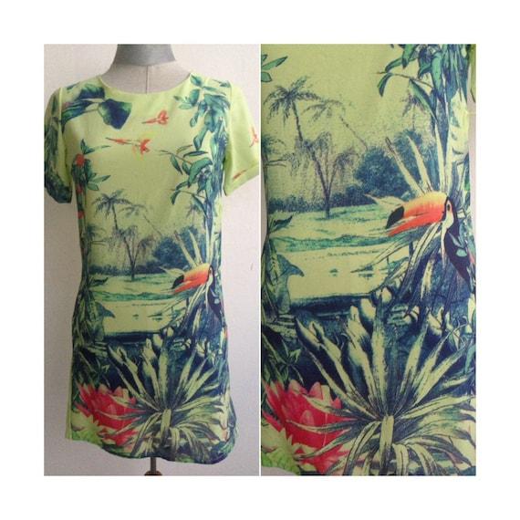 Colorful 90s vtg Tiki Exotica mini dress, in tropi