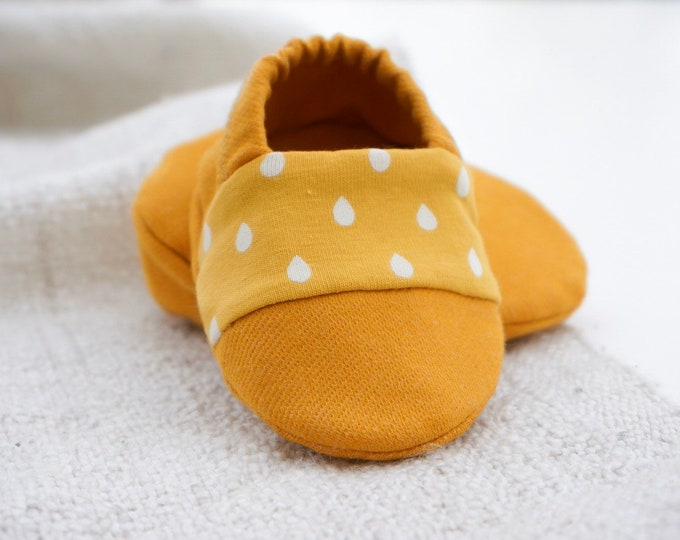 "Featured listing image: babies&minis ""dancing in the rain"" - cute cotton jersey baby booties in yellow - crawler shoes for babies up to a year"