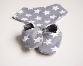"""babies&minis """"stars"""" set - baby booties and triangle cloth - made of cotton jersey"""