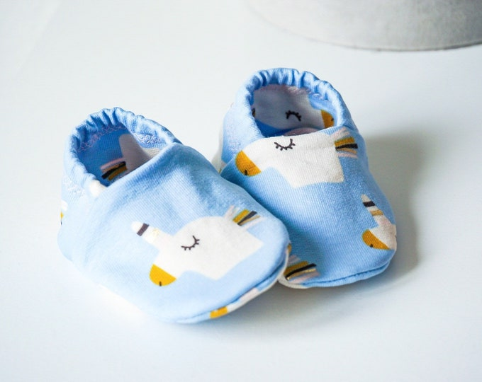 """Featured listing image: babies&minis """"sparkle unicorn"""" - cute baby shoes from French Terry in light blue with unicorns - crawler shoes for babies"""