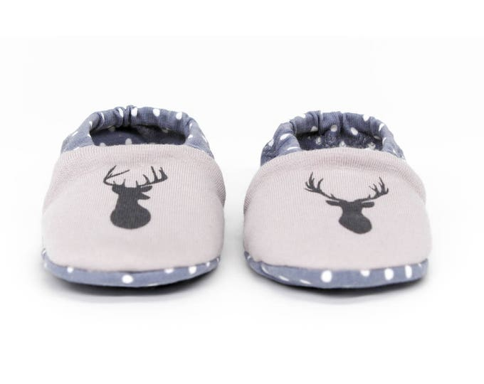 "Featured listing image: Babies & minis * Winter Edition * ""Reindeer minis""-cute baby shoes made of fabric in reindeer pattern in grey with lined sole-crawl shoes"