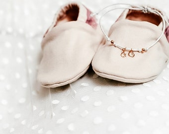 "Babies & minis ""born to shine""-cute baby shoes made of organic cotton jersey by elvelyckan design-crawl shoes for babies for baptism, wedding"