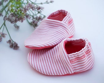 "Babies & minis ""holiday vibes""-cute baby shoes from cotton jersey in white with red stripes-crawl shoes for babies"