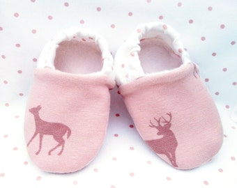 "Babies & Minis * Winter edition * ""Reindeer minis""-Sweet baby shoes made of fabric in reindeer pattern in pink with lined sole-crawling shoes"