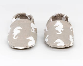 "Babies & minis ""taupe seahorses""-sweet cotton jersey baby shoes in taupe-crawl shoes for babies up to 1 year"