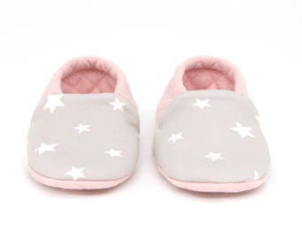 "Babies & Minis ""Sweet Dreams""-sweet reversible baby shoes from quilted fabric in pink with stars-crawling shoes for babies"