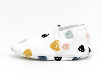 "babies&minis ""confetti"" - cute baby booties in organic cotton jersey by elvelyckan design - crawling shoes for babies up to 1 year"