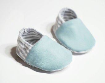 "Babies & Minis ""Stripes""-cute baby shoes made of fabric with striped pattern and in mint-reversible crawling shoes for babies up to 1 year"