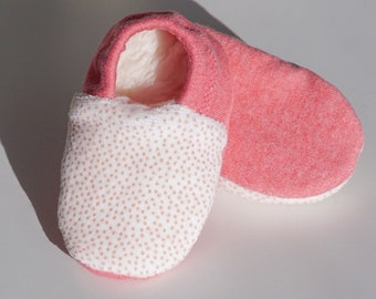 """babies&minis *Winter Edition* """"coral dots"""" - cute baby booties in Nicky fabric with dots - crawling shoes for babies"""