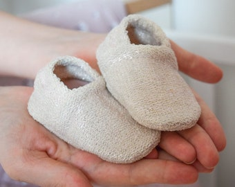 """babies&minis """"shine bright silver"""" - cute baby shoes made of silver foiled organic cotton sweat - crawling shoes for babies"""