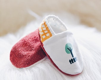 """babies&minis """"small city life"""" - cute baby booties in premium cotton jersey - crawling shoes for babies"""
