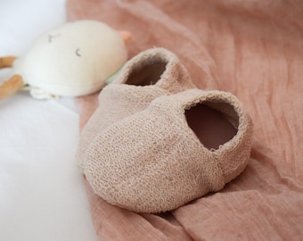 """babies&minis """"shine bright rosé"""" - sweet baby shoes made of pink foiled organic cotton sweat - crawling shoes for babies"""