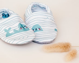 """babies&minis """"baby seals"""" - cute baby shoes made of organic cotton jersey by lillestoff - crawling shoes for babies"""