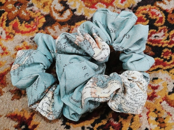 BLUE ATLAS SCRUNCHIE