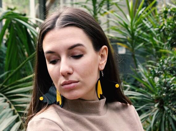 PENDING // earrings