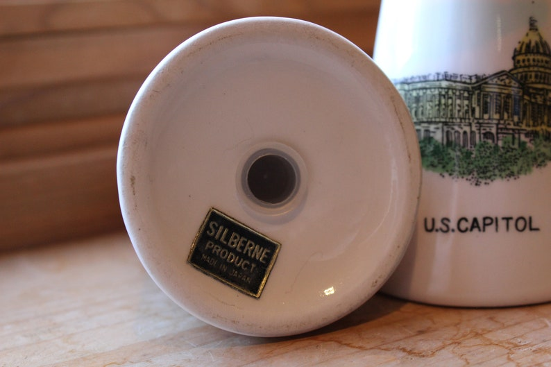Capitol U.S 1960s Washington D.C. Mid Century Modern Salt and Pepper Shaker Pair by Silberne White House - Vintage Knick Knacks