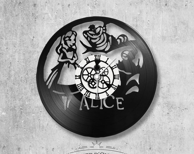 Vinyl record clock 33 rounds Alice in Wonderland theme