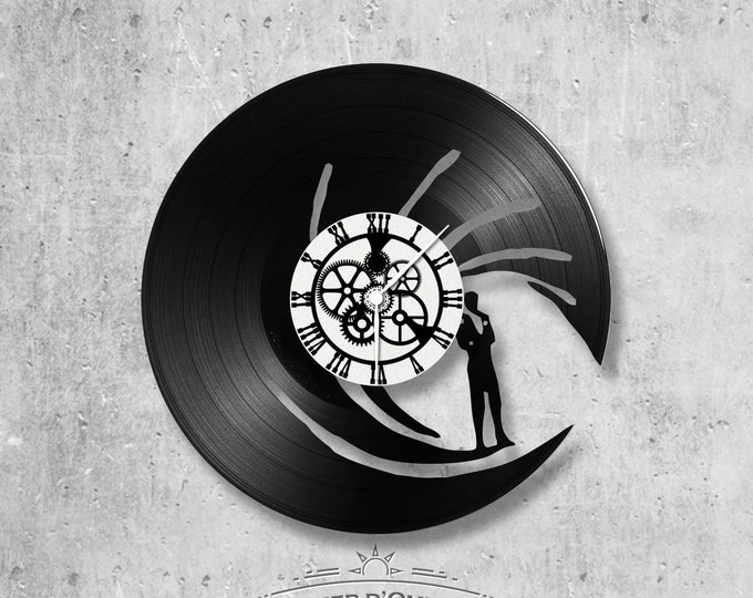 Vinyl record clock 33 rounds James Bond theme