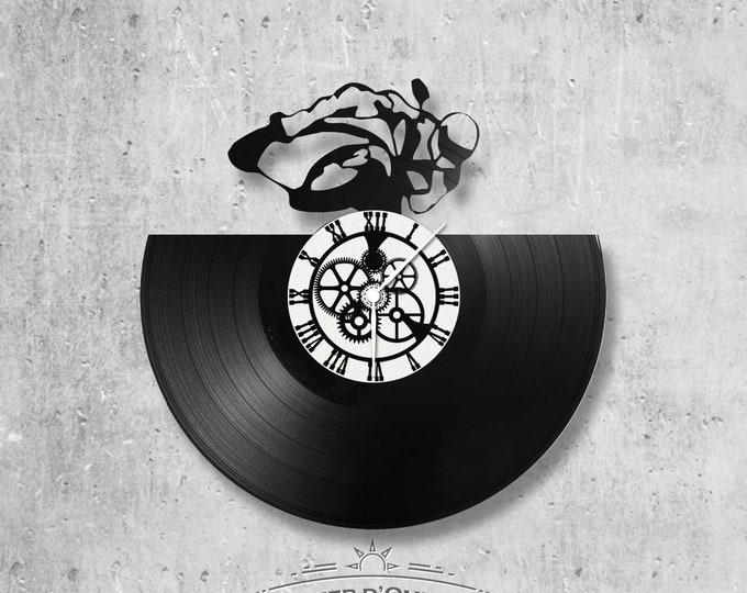 Vinyl record clock 33 rounds Moto theme