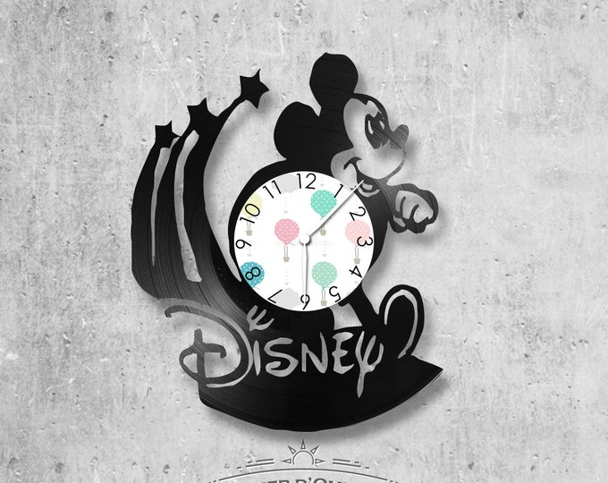 Wall clock vinyl 33 rounds hand made / Walt disney theme, cartoon, mickey.