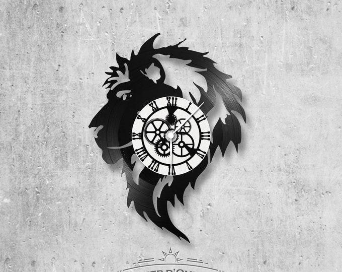 Vinyl 33 clock towers Lion theme
