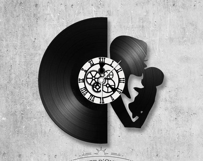 Vinyl record clock 33 rounds mother and child theme