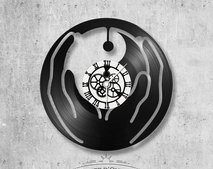 Vinyl disc clock 33 rounds Ying/Yang theme