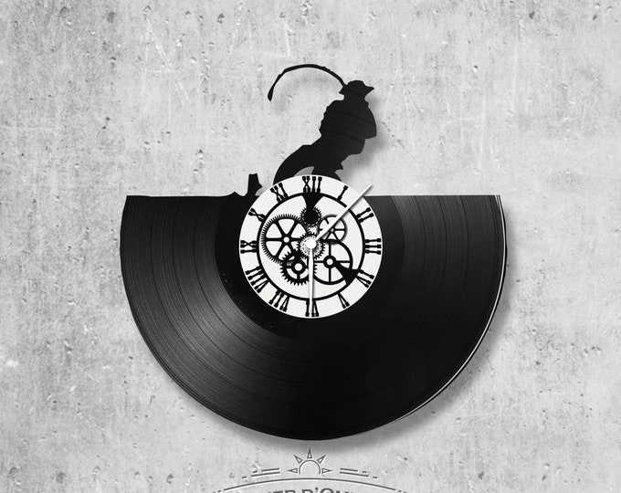 Vinyl record clock 33 rounds Fishing theme