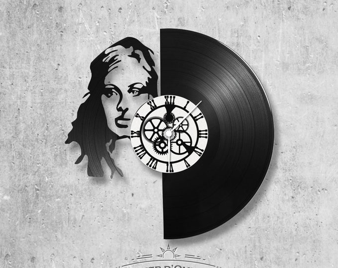 Vinyl record clock 33 rounds Adele theme