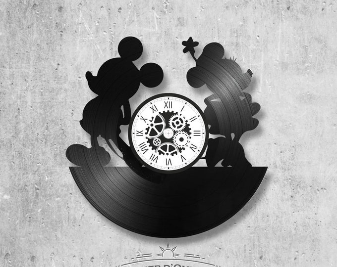 Vinyl record clock 33 rounds Mickey and Minnie theme